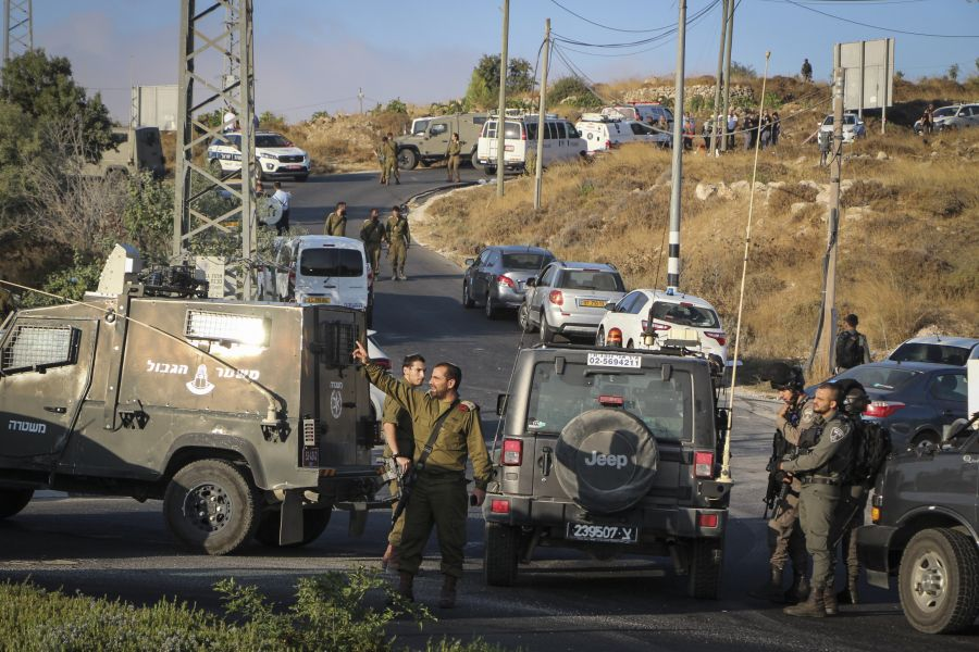 Dragnet for terrorists who stabbed an IDF soldier to death at Gush Etzion