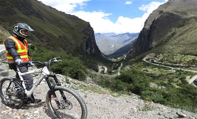 trekking-machu-picchu-jungle-trek-globalepix_com