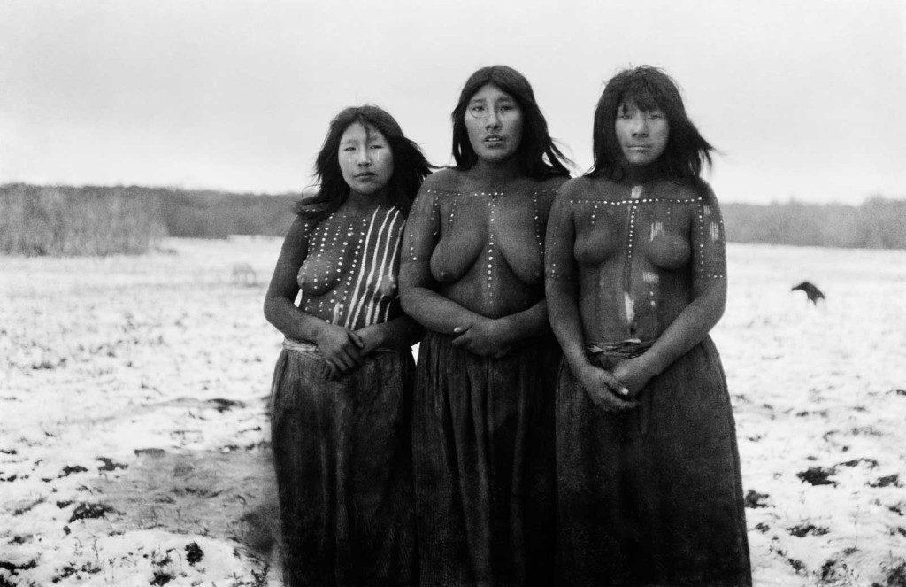mujeres-onas-rituales-denomades