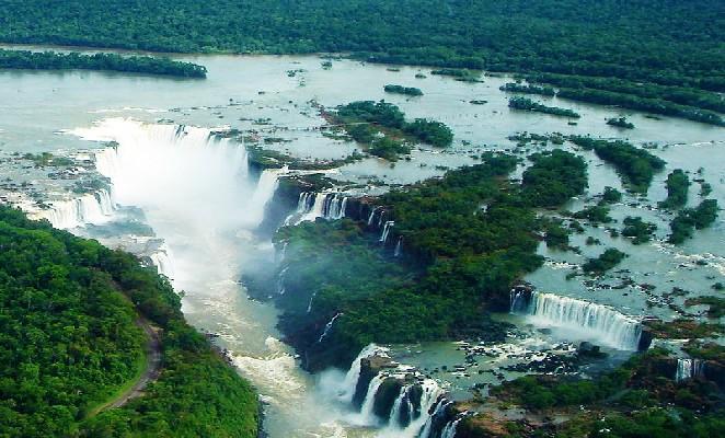 800px-Foz_de_Iguaçu_27_Panorama_Nov_2005 mario roberto duran