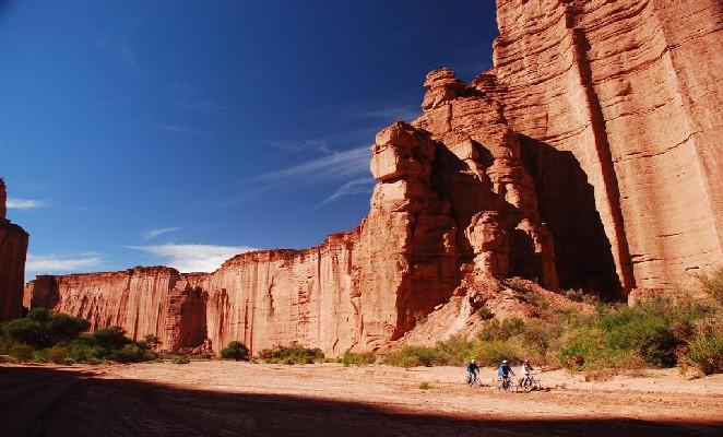 excursion-en-mountain-bike-parque-nacional-talampaya-1 todoviajes_com_ar