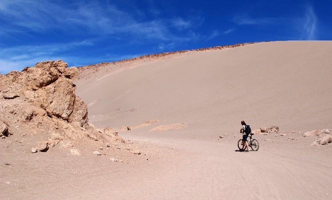 bicicleta-atacama-denomades-avueltasporelmundo_org