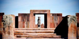 Ruinas de tiwanaku en Bolivia