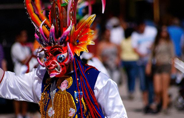 09b0cd875 Conoce la Fiesta de La Tirana, el carnaval más grande de Chile ...