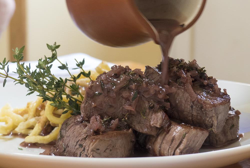 Carne y pasta alemana en restaurantes de Cusco