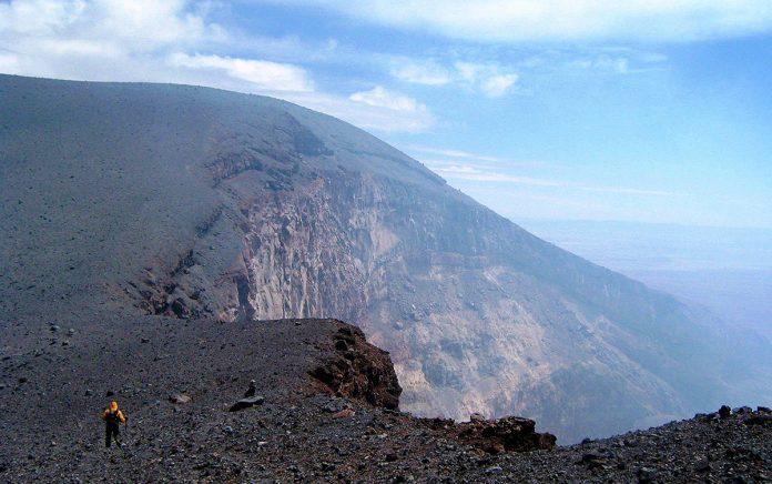 Crater del volcan Lascar
