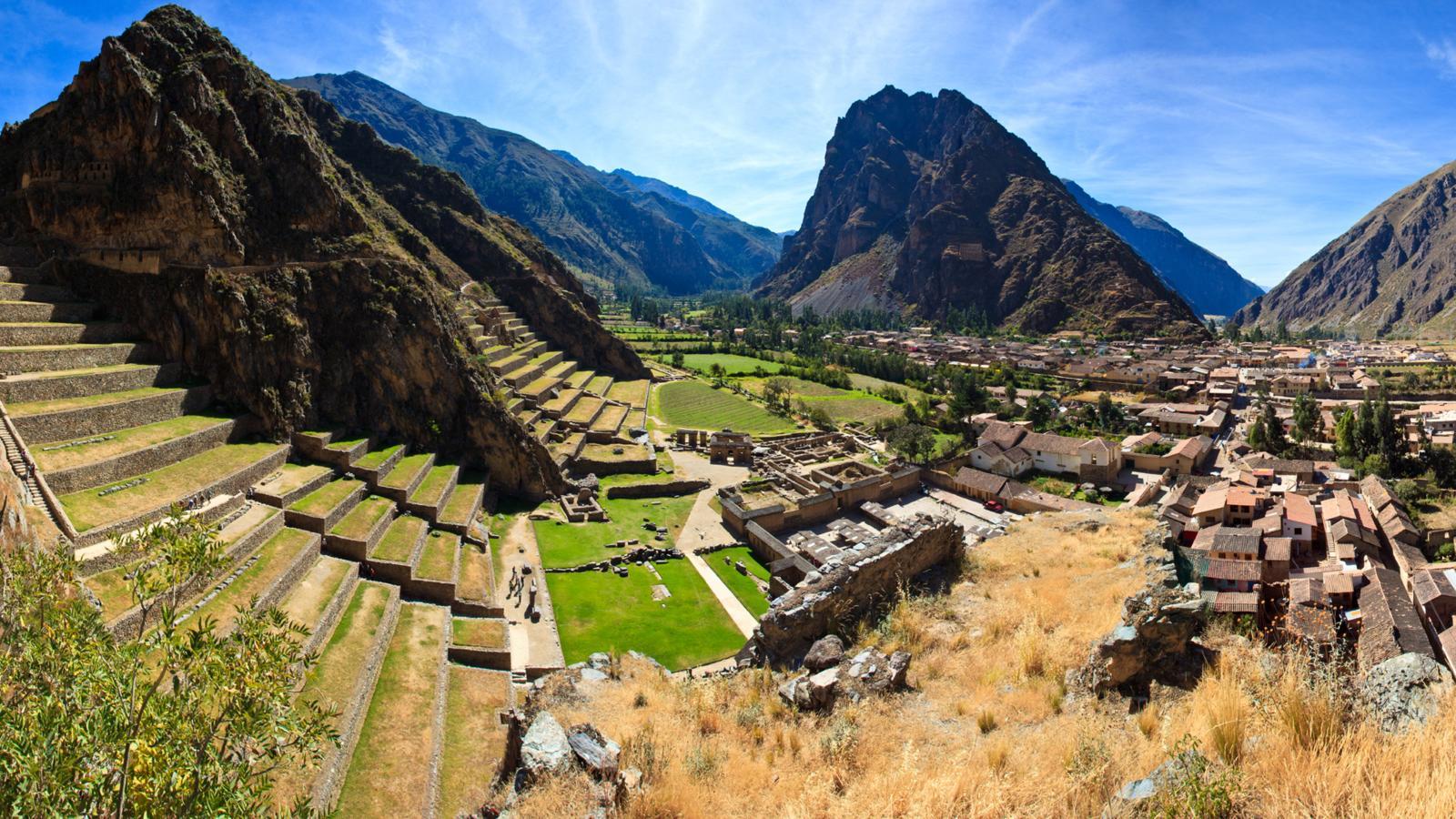 valle con ruinas y restos arqueologicos