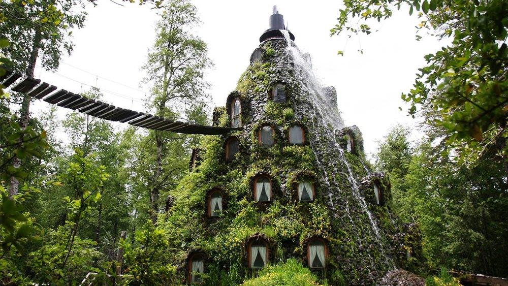 Hotel con forma de montaña