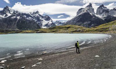 Playa, viajero en patagonia y torres del paine