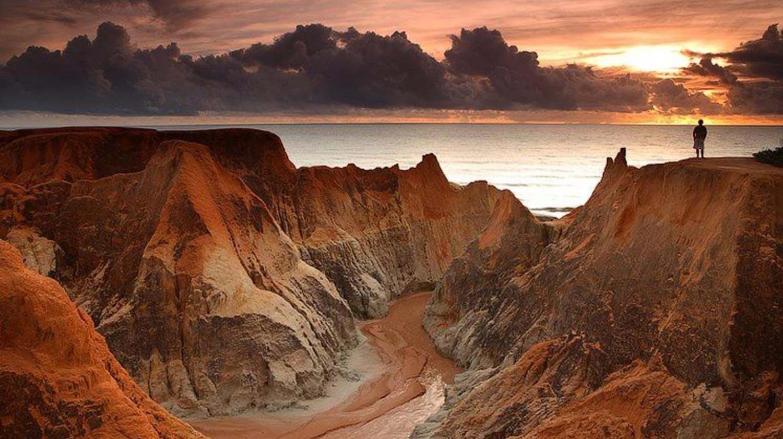 playas con laberintos de rocas