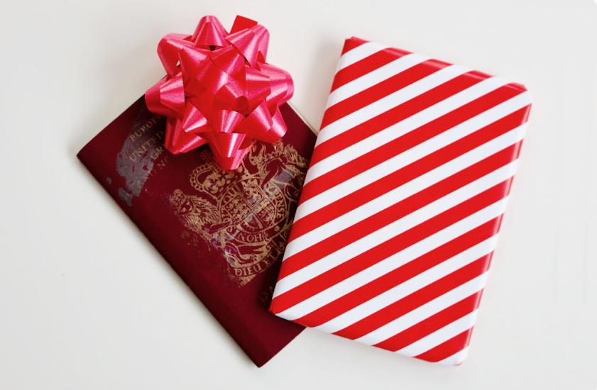 pasaporte como regalo de viaje