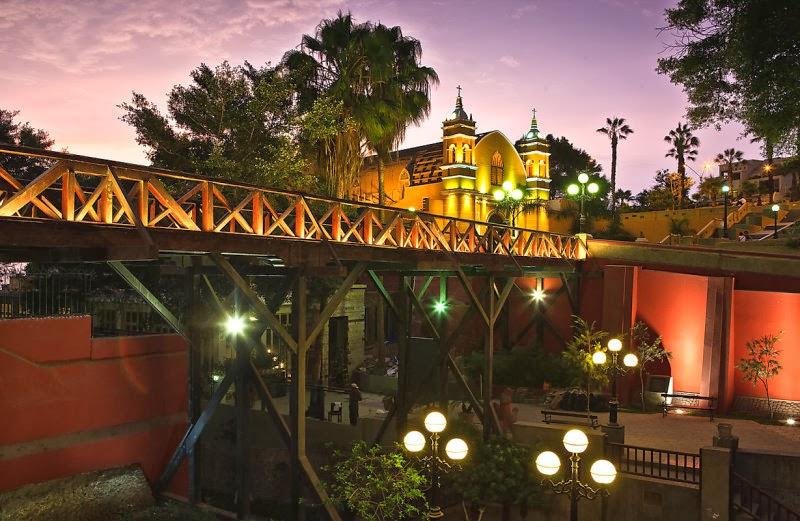Puente romántico en Lima