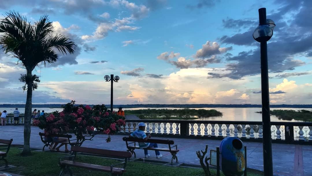 Atardecer romántico en Iquitos