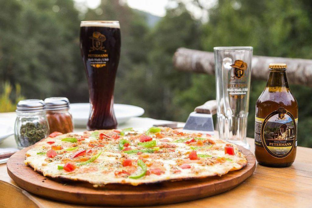 Pizza y cervezas