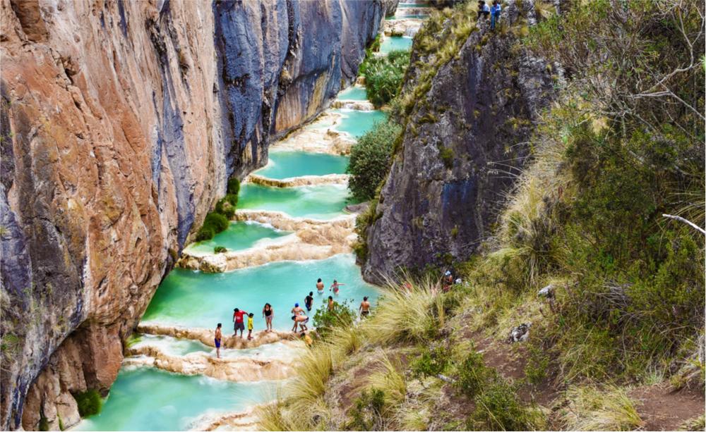 piscinas naturales de aguas turquesas