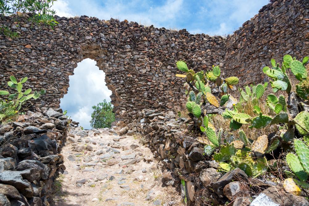 Arco construido con piedras ancestrales en ayacucho