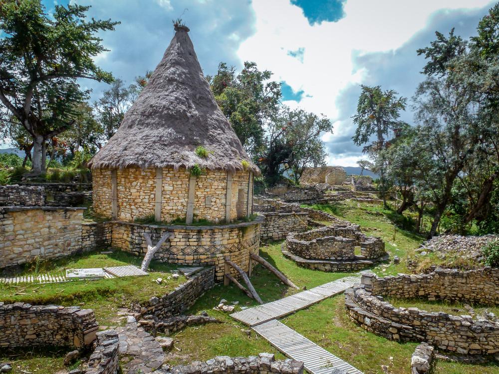 Complejo arqueológico en los andes peruanos