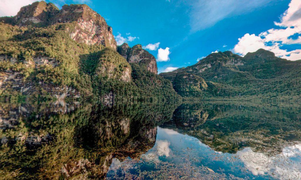 Laguna del amazonas en uno de los mejores lugares de sudamérica