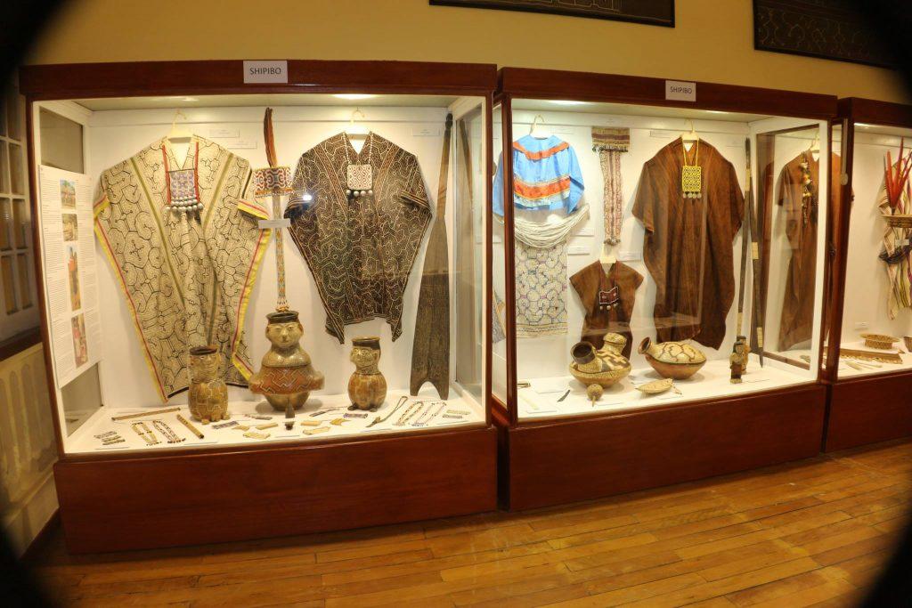 Vestimentas de etnias originarias de iquitos