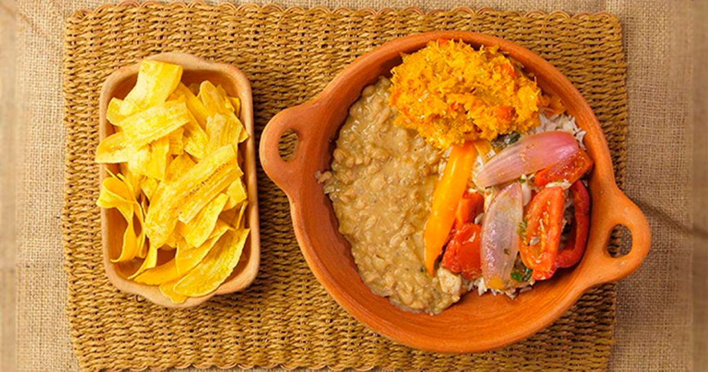 Plato de comida tradicional peruano