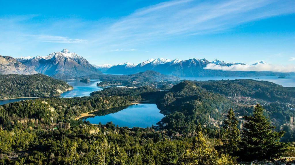 Lagos y montaña en Bariloche y la patagonia