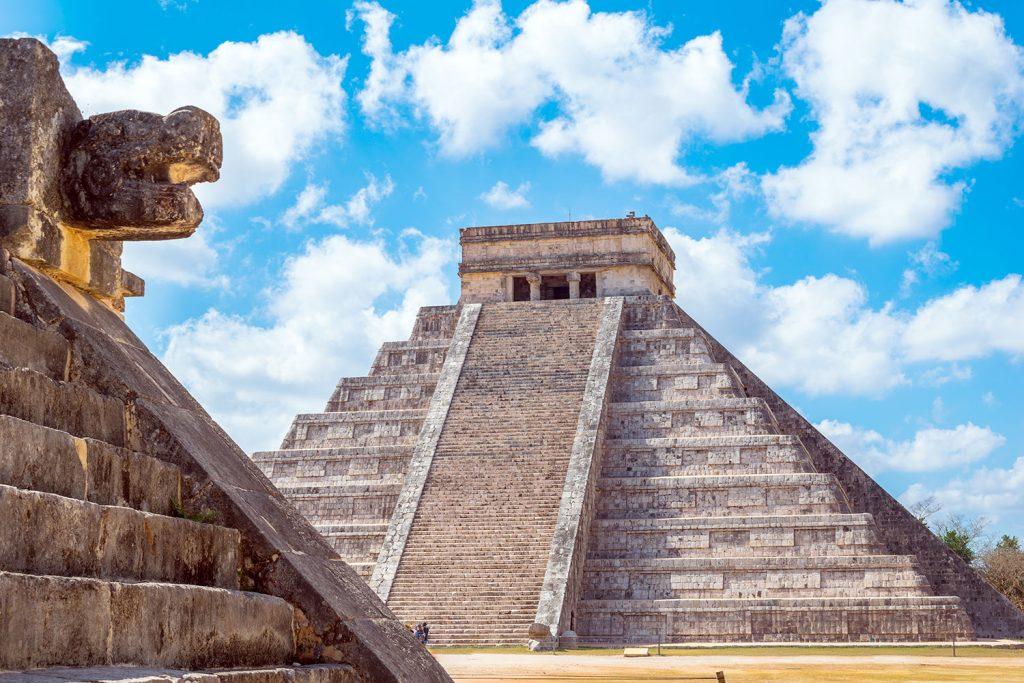Construcciones en complejo arqueológico de Chichén Itzá