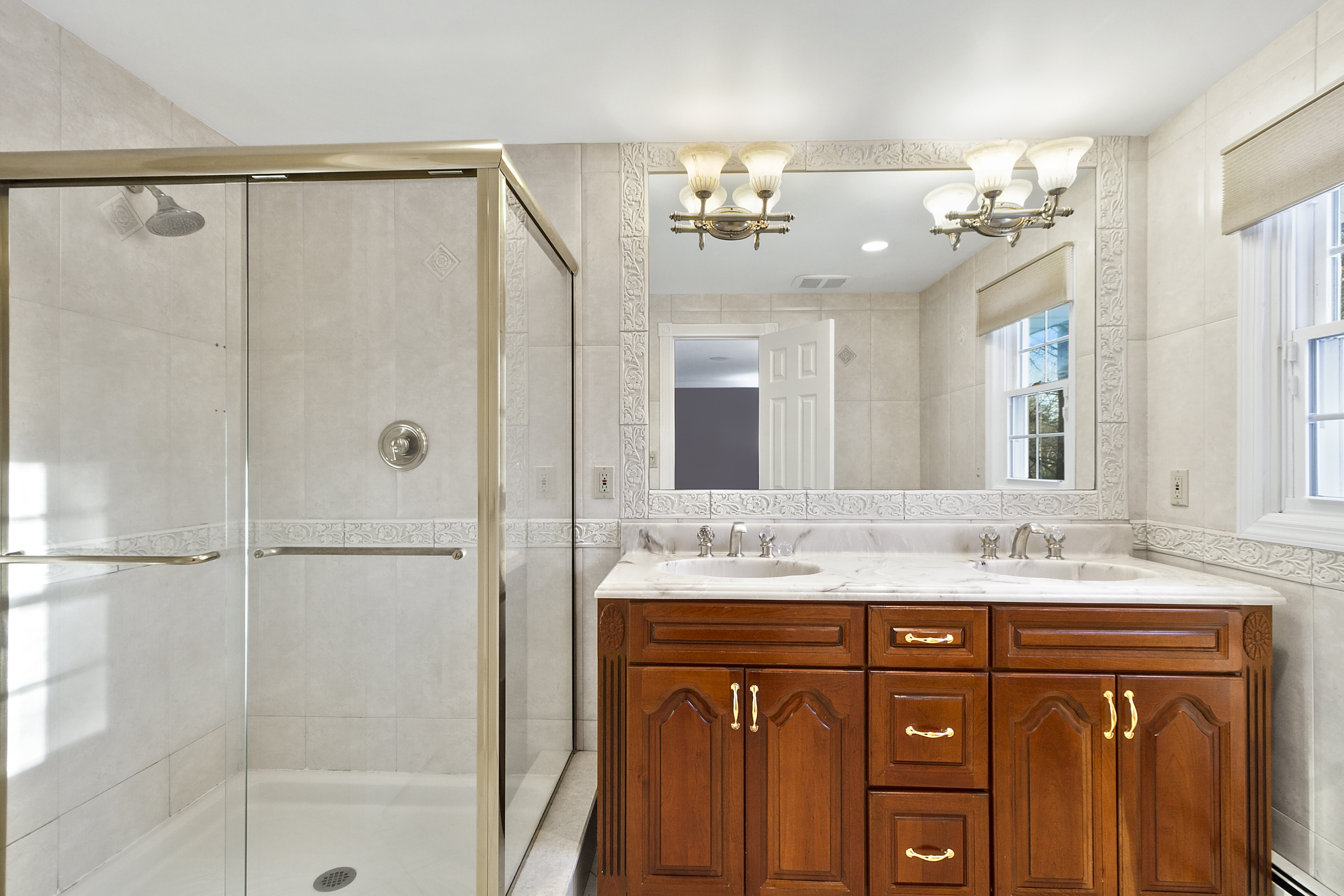 how to lay tiles in bathroom 84 woodchuck hollow rd cold hrbr property listing 25439