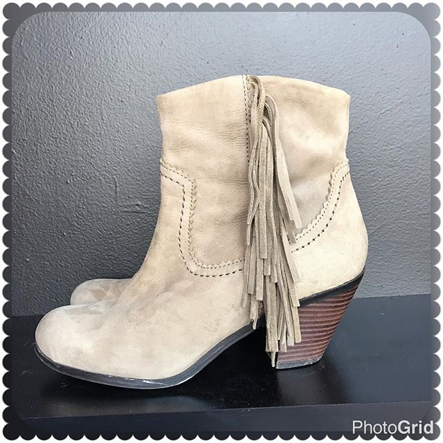 2_time_couture - Sam Edelman Booties Size: 8