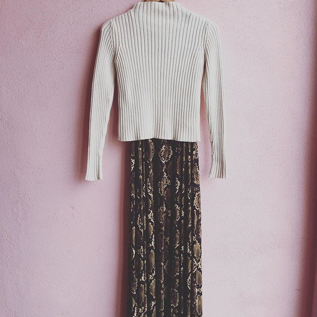 2_time_couture - Ann Taylor Sweater, Size XS
