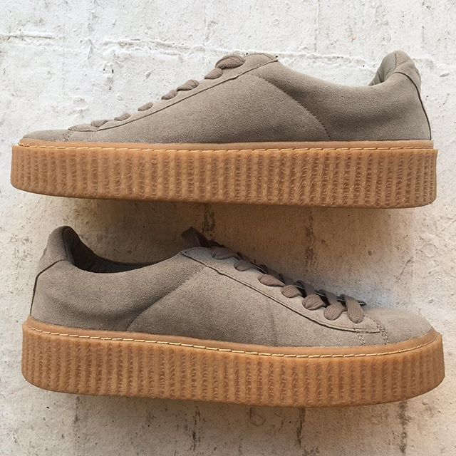 "VACATION - Are you in the market for some fresh new kicks?? These Public Desire grey Yinka creepers are perfect 👌 for mixin it up!! Made of faux grey suede and gum soles; these sneakers 👟👟 are perfect to pair with your favorite boyfriend jeans and bomber jacket!!! These babies were never worn (perfect condition). The platform is 1.5"". Size 7B"