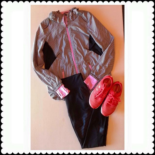 2_time_couture - Athleta Workout Pants size: S