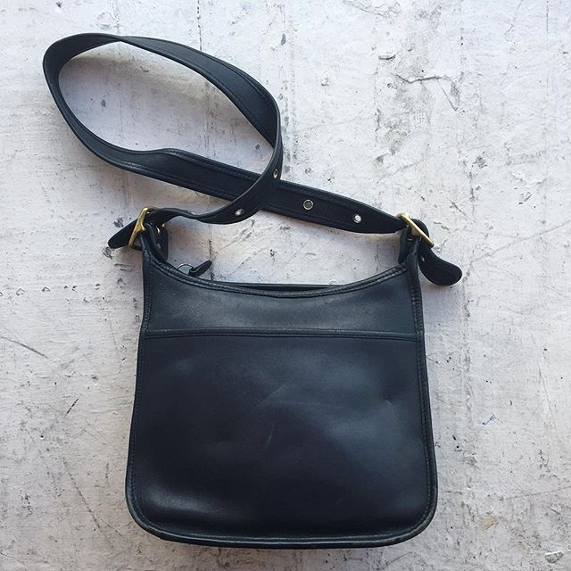 "VACATION - Coach double buckle purse with lots of pockets!! 11""x9""x6"" Main zipper's teeth are unattached at one part, but could be an easy fix. In great condition other wise."