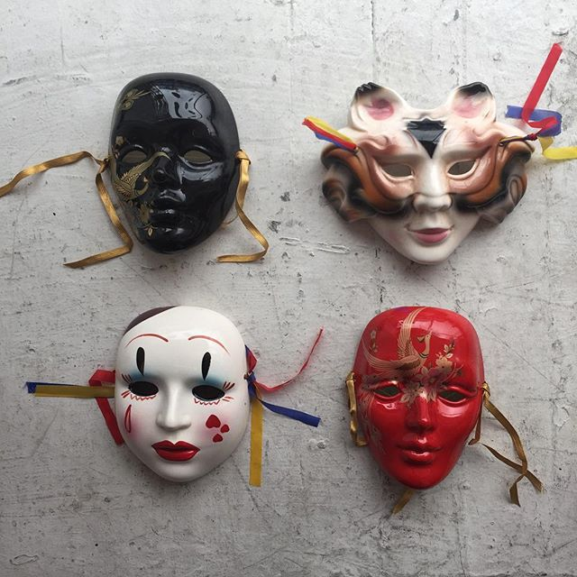 VACATION - The masks from every girl in the 80's bedroom/boudoir 👄