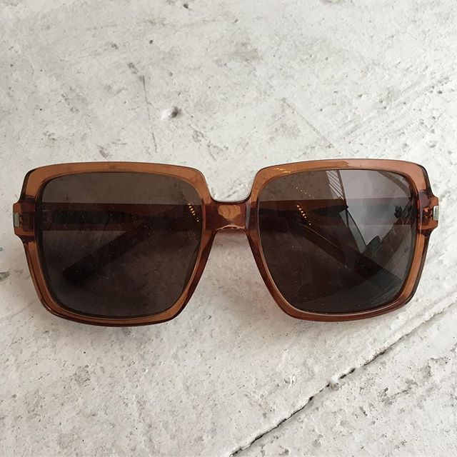 VACATION - YSL! 🕶#SAINTLAURENT 🕶 authentic and normally three hundred bones, These sunnies, the color of iced tea. Perfect for the poolside, cruising in your Volvo wagon, sunglasses at night, or when you really need to get the  point across by a slow lower-and-peer, shoot daggers OR issue your best come hither gaze.
