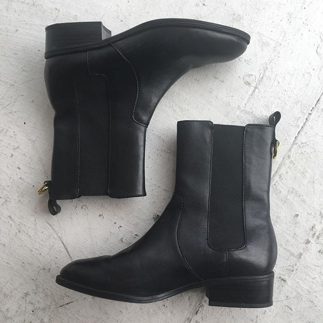 VACATION - They are absolutely perfect and practically unworn! #ralphlauren #RLL MONA boots. Size 7.5 and seriously. They are PERFECT