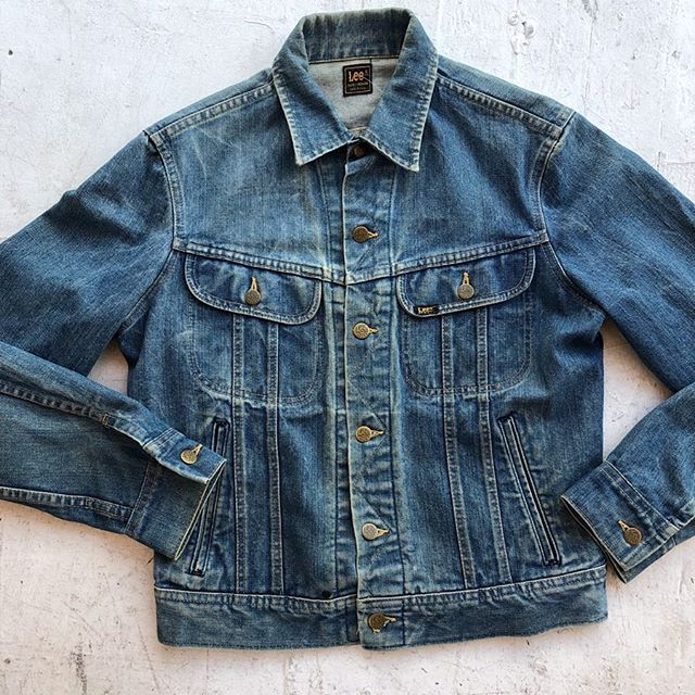 "VACATION - Classic 1960's #leeriders denim trucker jacket. Perfect condition #vintagedenim. Size Medium, 18"" shoulder to shoulder, 42"" bust, 22"" length. 😎"