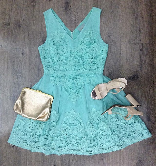 2_time_couture - Easter Sunday vibes 💐🐰🐇 #7439 Skies are Blue dress, size M.