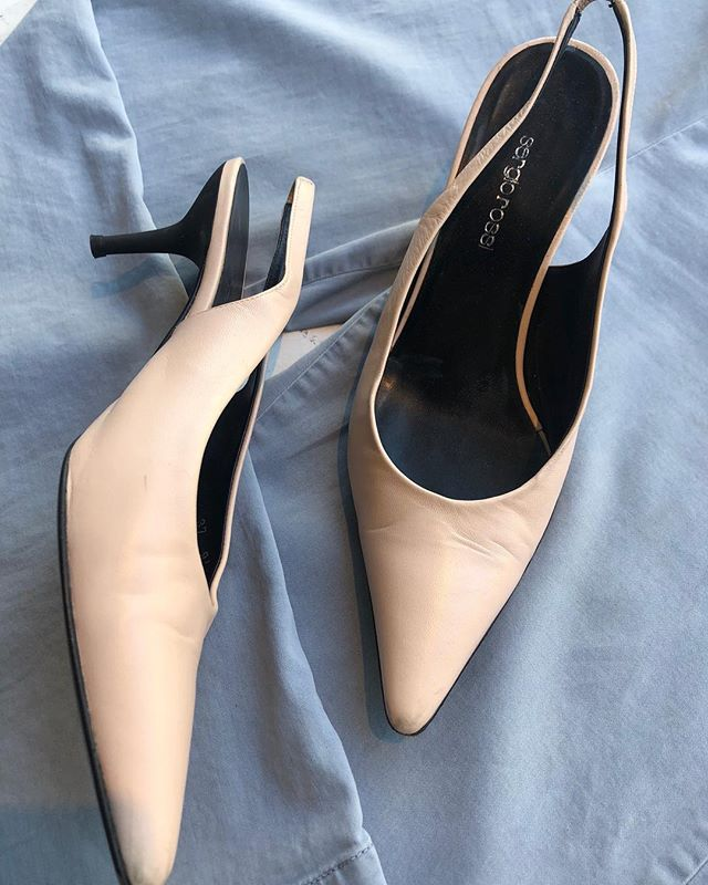 ReLove  - Sergio Rossi size 7, Pale Pink Kitten Heel Sling Back going for