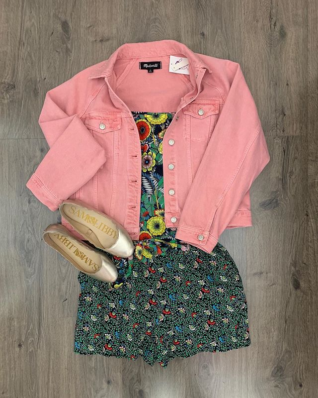 2_time_couture - Tuesday's look will take you to the beach! Come check out this and our other great summer styles! 💋😎🌷 Item 7714 Madewell jacket, size S,