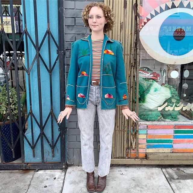 """VACATION - Oh man do I love these #1950s #madeinmexico wool souvenir jackets!! Brightest bright embroidery throughout on a pretty teal wool coat. Best for S/M. Tiny little puffs at the shoulders. Shoulder seam to shoulder seam measures at 29"""" sleeves are 23"""" long and open front blazer style! There's sun fade at the collar and arms but I think it just makes her more special 🤗"""
