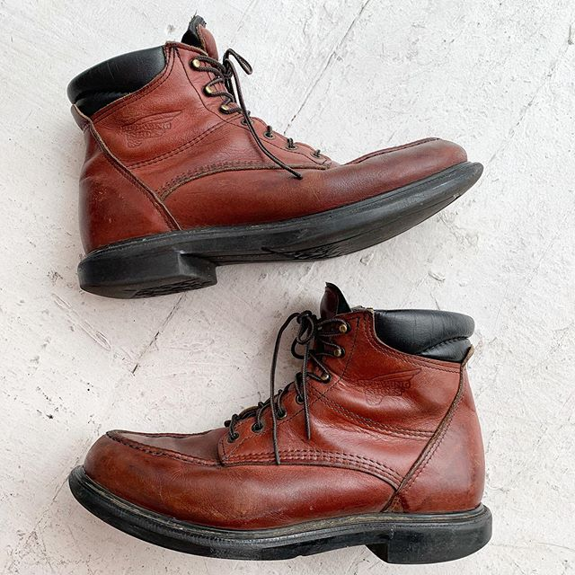 VACATION - Hey DUDES!! We have #mensware too!! Like these #madeinusa #redwing boots size 12!