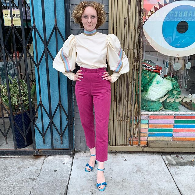 "VACATION - The perfect #pedalpushers - #1980s does #1950s, sweetest magenta cotton pants- crazy hi rise 24"" waist (but waist hits high!) with a 13"" rise and 27"" inseam. If you are a tiny with a poppin booty- meet your new PERFECT pants!!"