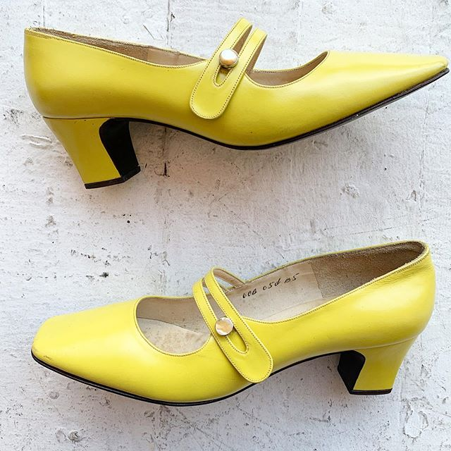 "VACATION - As our friend @ariel_lonelyheart accurately put it ""I'd cut off my toes to fit into these shoes"" Slimey toxic chartreuse- the official color of summer- nearly new kidskin Mary Janes, 1960s with a mother of pearl freakin button on the damn side. Size 6"