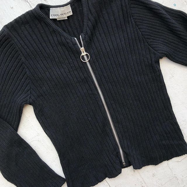 VACATION - *Special Listing* Ribbed cotton zip-up longsleeve. Size M.