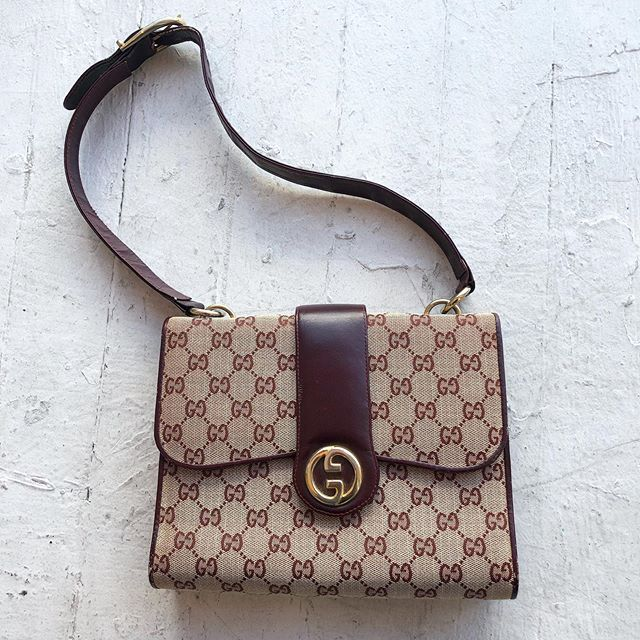 "VACATION - #securethebag 💼 70's ""Gucci"" monogram handbag  9.5"" wide x 7.5"" tall"