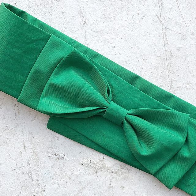 VACATION - *Special Listing* Green #silk bow belt. Size S.