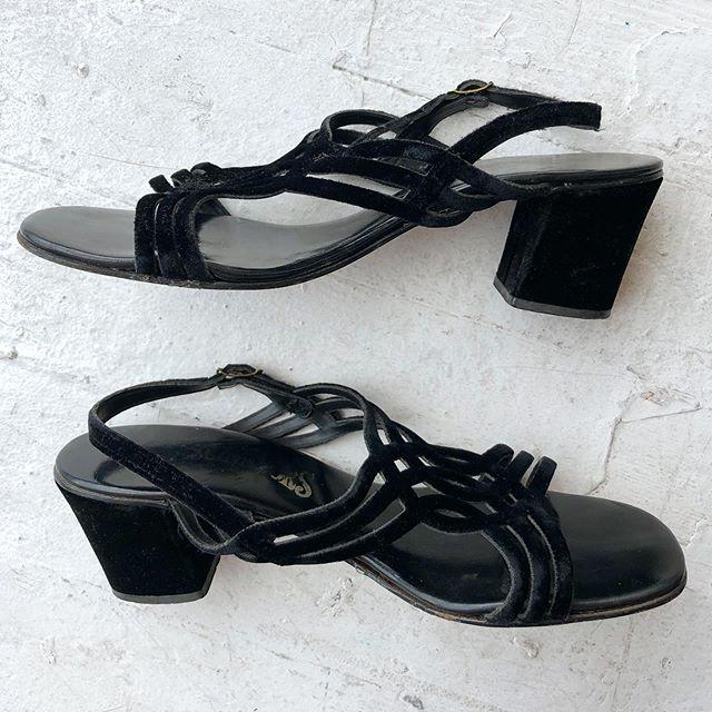 "VACATION - Black #velvet 70's #fascinators sandals 👡 Matching velvet 2"" heel. Size 8."