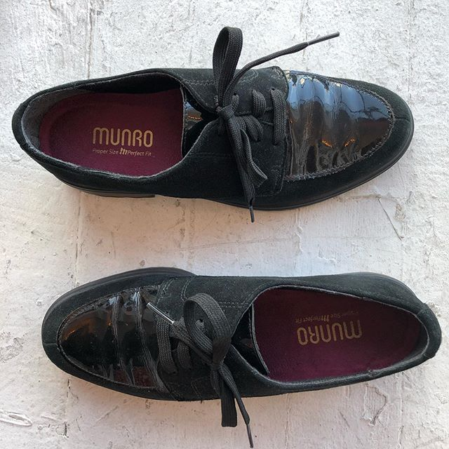 VACATION - Suede and paten leather shoes. Amazing for everyday use made by #munro