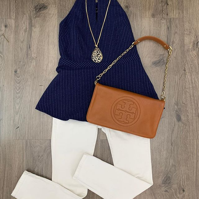2_time_couture - Check out this casual cute look for the weekend! We still have tons of great items, most on sale before the big move! 😊💋🛍 Item 8519 Tory Burch Purse,