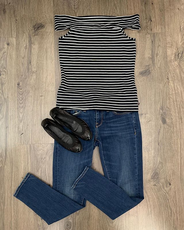 2_time_couture - Chanel on sale?!?! This outfit is cute, casual, and couture!!!! 😍💄🛍 Item 7616 Chanel shoes, size 6.5, 50% off at